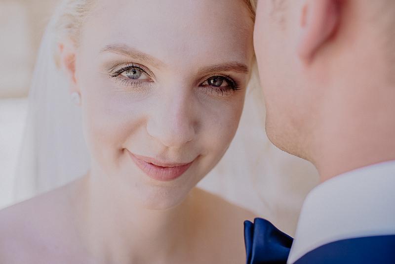 Hochzeitsfotograf mit Brautpaar in Esslingen